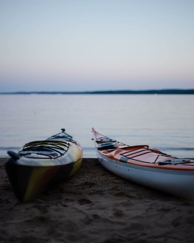 Resting silently the shore of the lake, ready to explore. #lake #adventure